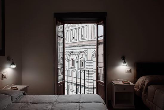 Soggiorno Battistero: ROOMS WITH VIEW