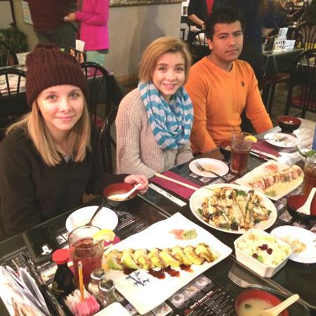 Sushi House : sushi dinner