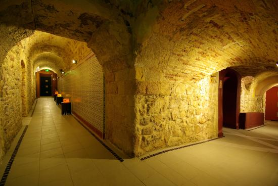 Couloir du hammam picture of zein oriental spa for Distance marseille salon de provence
