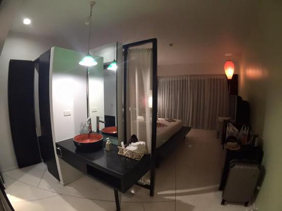 Red Ginger Chic Resort: spacious room
