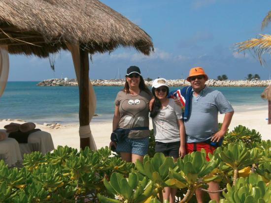 Imperial Las Perlas Cancun Condos: EN LA PLAYA DEL HOTEL