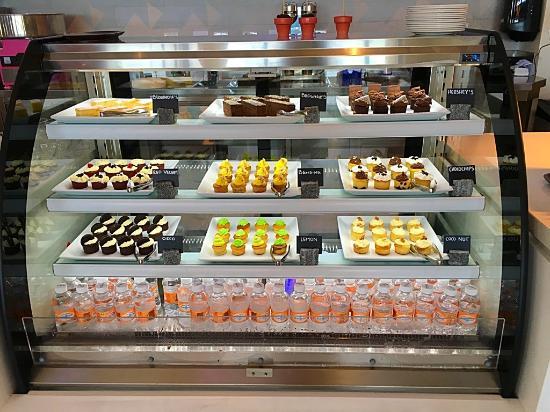 Hyatt Ziva Cancun Sweet Station