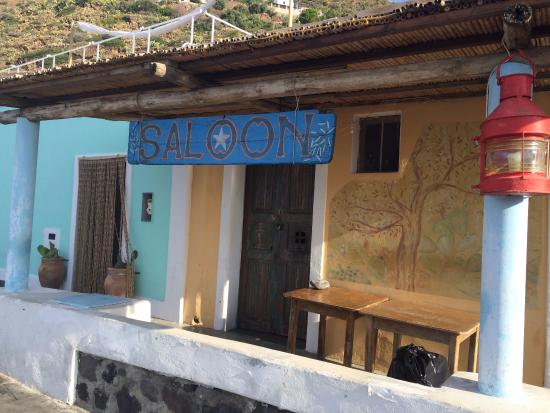 Filicudi, Italie : il saloon