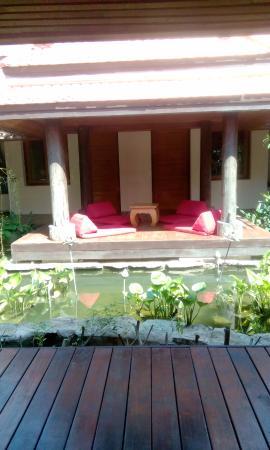 Laem Set, Tailandia: sala n lotus pond in courtyard