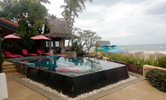 Laem Set, Tailandia: pool n beach view