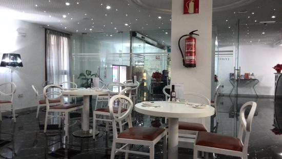 Hotel La Boutique Puerta Osario: salón de desayunos