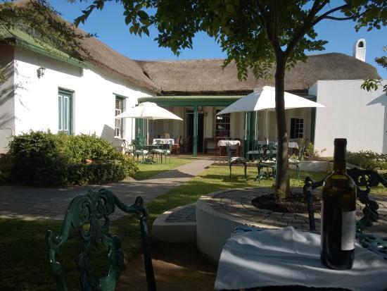 Riversdale, Sudáfrica: Blick in Richtung des kleinen Restaurant