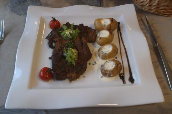 Hôtel Le Bretagne : Our main course choice - tasty