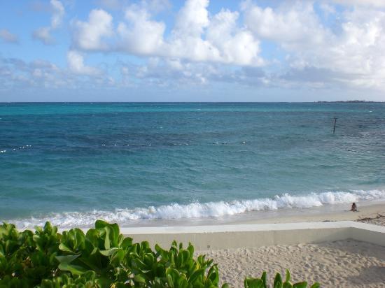 West Wind Club II: Sandy beaches!