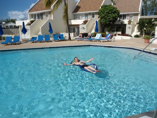 West Wind Club II: They have a great pool!