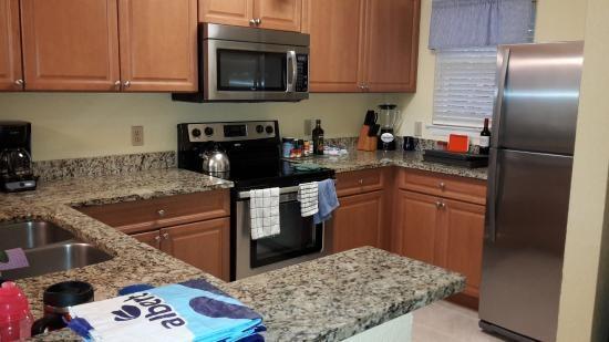 Blue Tree Resort at Lake Buena Vista: Complete kitchen