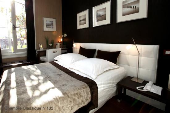 Hotel des Arceaux: Chambre classique n° 103