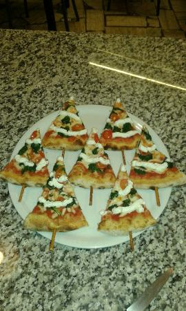 Castel San Gimignano, Italia: Pizza natalizia