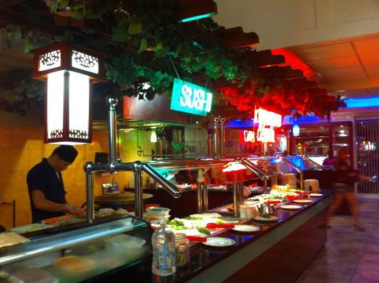 Grand China Buffet: sushi bar