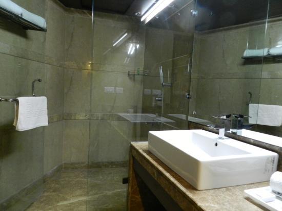 Hotel Africa Avenue: Salle de bains