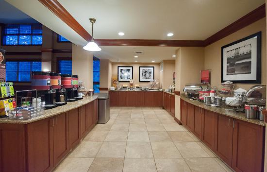 Hampton Inn & Suites North Conway: Breakfast
