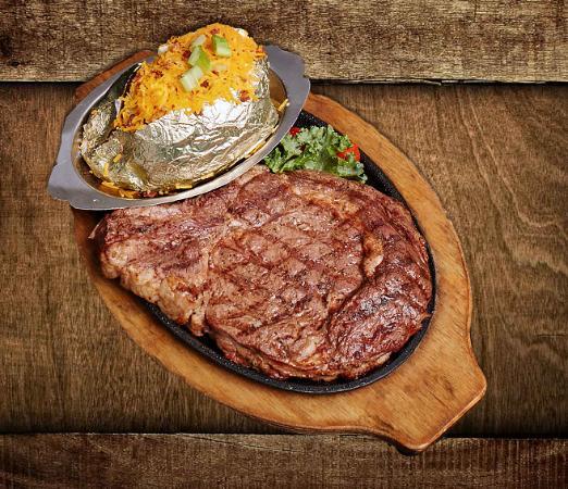 Alamo Steakhouse & Saloon: The Steak