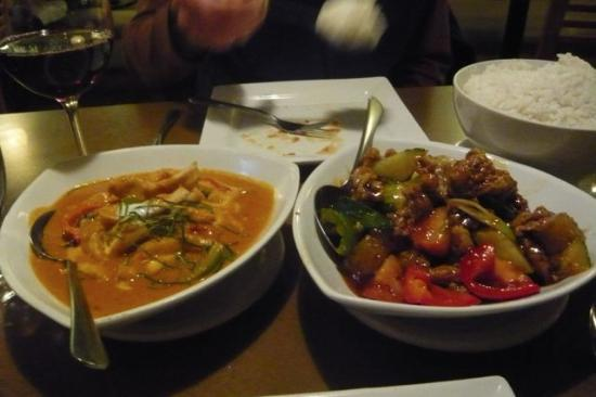 Simply Thai Restaurant: Chicken curry (left), sweet and sour pork