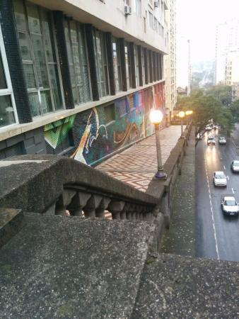 Everest Porto Alegre Hotel: vista da parede externa
