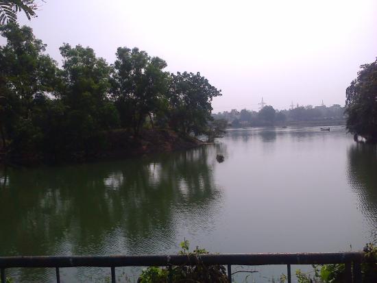 Ekamra Kanan: Ekamra park boating lake