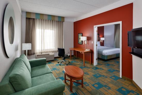La Quinta Inn & Suites Fremont / Silicon Valley: Suite