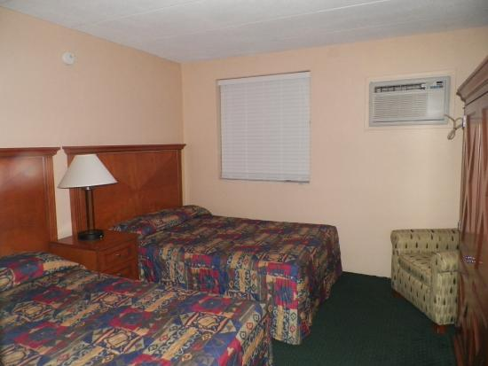 Royal Canadian Motel: Rooms with Kitchen