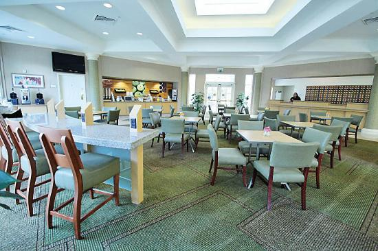 la quinta inn suites orlando airport north 139. Black Bedroom Furniture Sets. Home Design Ideas