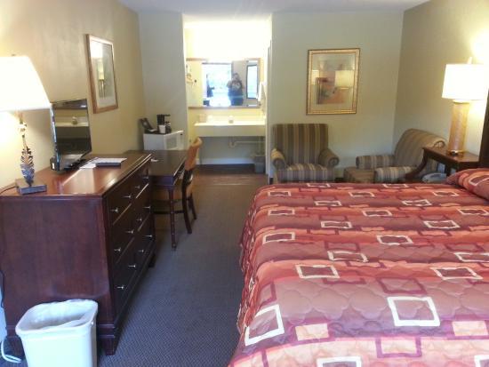 Rancho Inn: Room