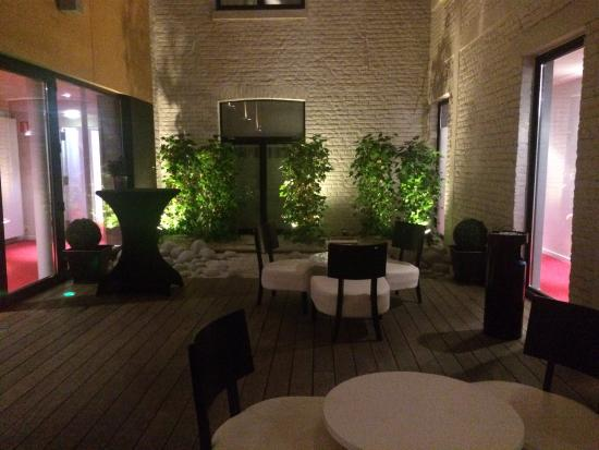 Husa de la Couronne: Terrace on first floor