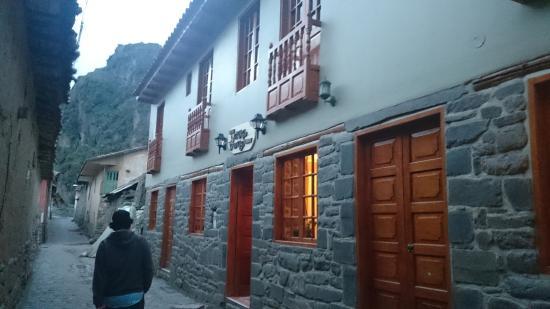 Tikawasi Valley Hotel: Frontis