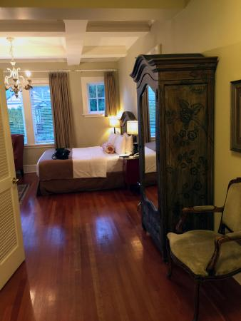Rosewood Victoria Inn : Room 16 entry