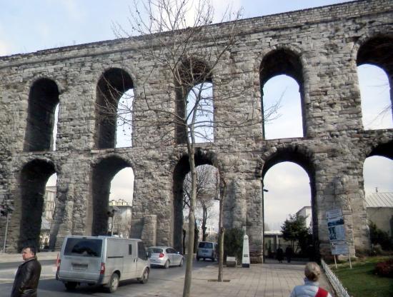 Valens Aqueduct - Picture of Valens Aqueduct (Bozdogan ...