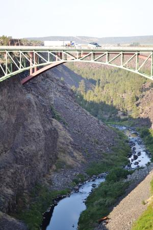 Terrebonne, OR: bungee jumping