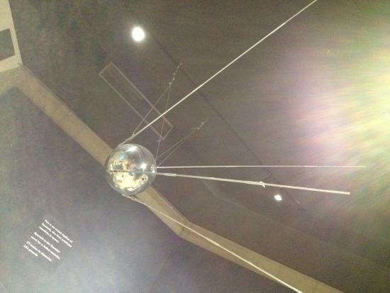 Armstrong Air & Space Museum: SPUTNIK