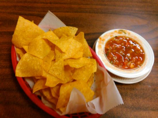 Tequila Restaurante & Cantina: Chips and fresh salsa at Tequila, Des Moines