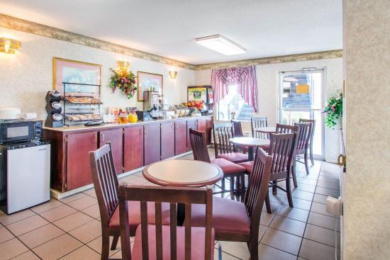 Troy, AL: Breakfast area