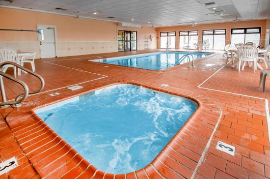 كومفورت إن باردزتاون: Pool