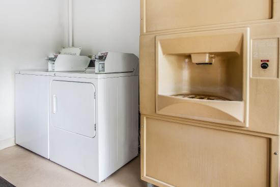 ดักลาสส์วิลล์, เพนซิลเวเนีย: Laundry