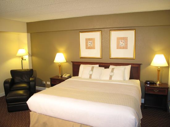Rolling Meadows, IL: Guest Room