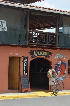 Henry's Iguana Beach Bar & Restaurant : Is it Henry's or is it Iguanas?