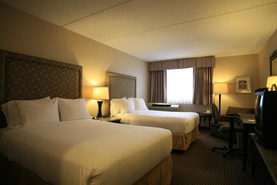 Holiday Inn Express Chicago Palatine: Holiday Inn Express Palatine-Arlington Hts Chicago NW-two bed room