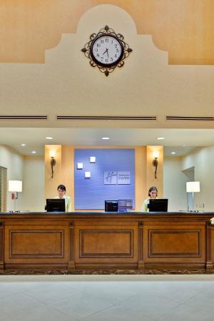 Beaumont, CA: Front Desk
