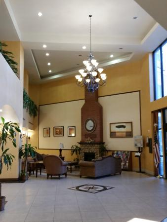 Beaumont, CA: Hotel Lobby