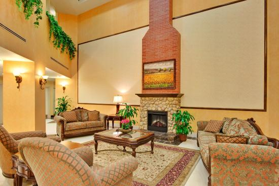 Beaumont- Oak Valley Lobby Lounge
