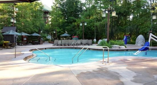 Boulder Ridge Villas at Disney's Wilderness Lodge: Heated outdoor pool