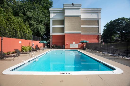 Athens, Τζόρτζια: Swim laps or work on your tan at our outdoor pool