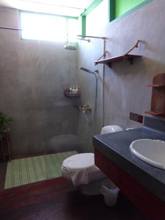 Pak Chiang Mai: Bathroom