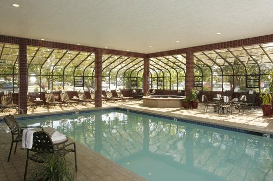 Quality Inn Oakwood: 24-Hr Indoor Pool & Hot Tub