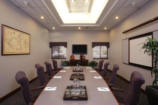 Quality Inn Oakwood: Executive Boardroom