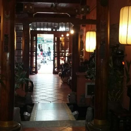 Queen Hotel: IMG_20151217_214912_large.jpg